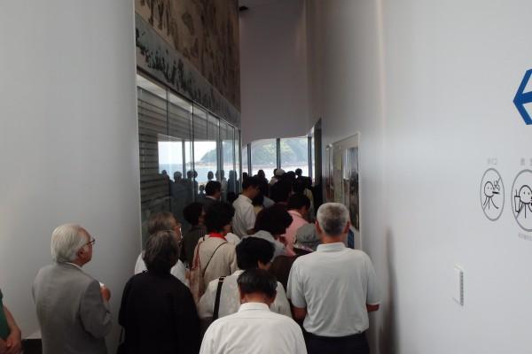とにかく入口から大混雑していた。